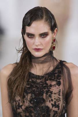 Hallowe'en Beauty Inspiration: Oscar de la Renta AW13 via Harper's Bazaar US